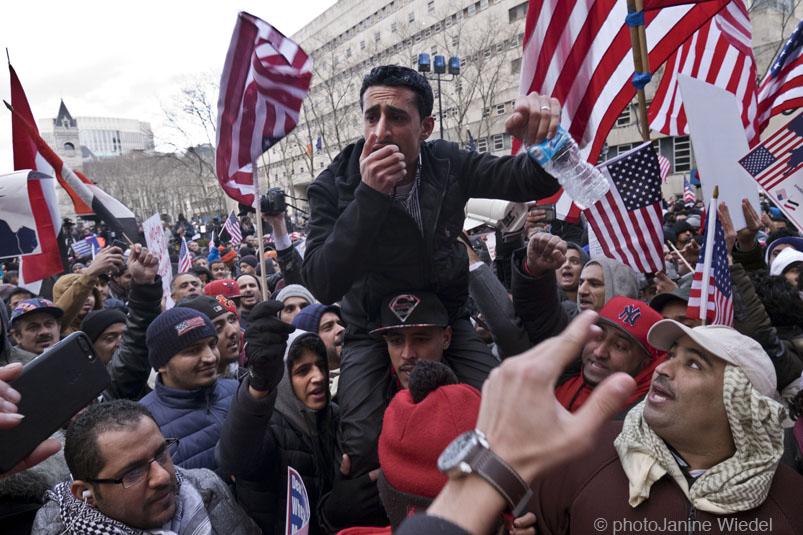 155845street_yemani_protestfl