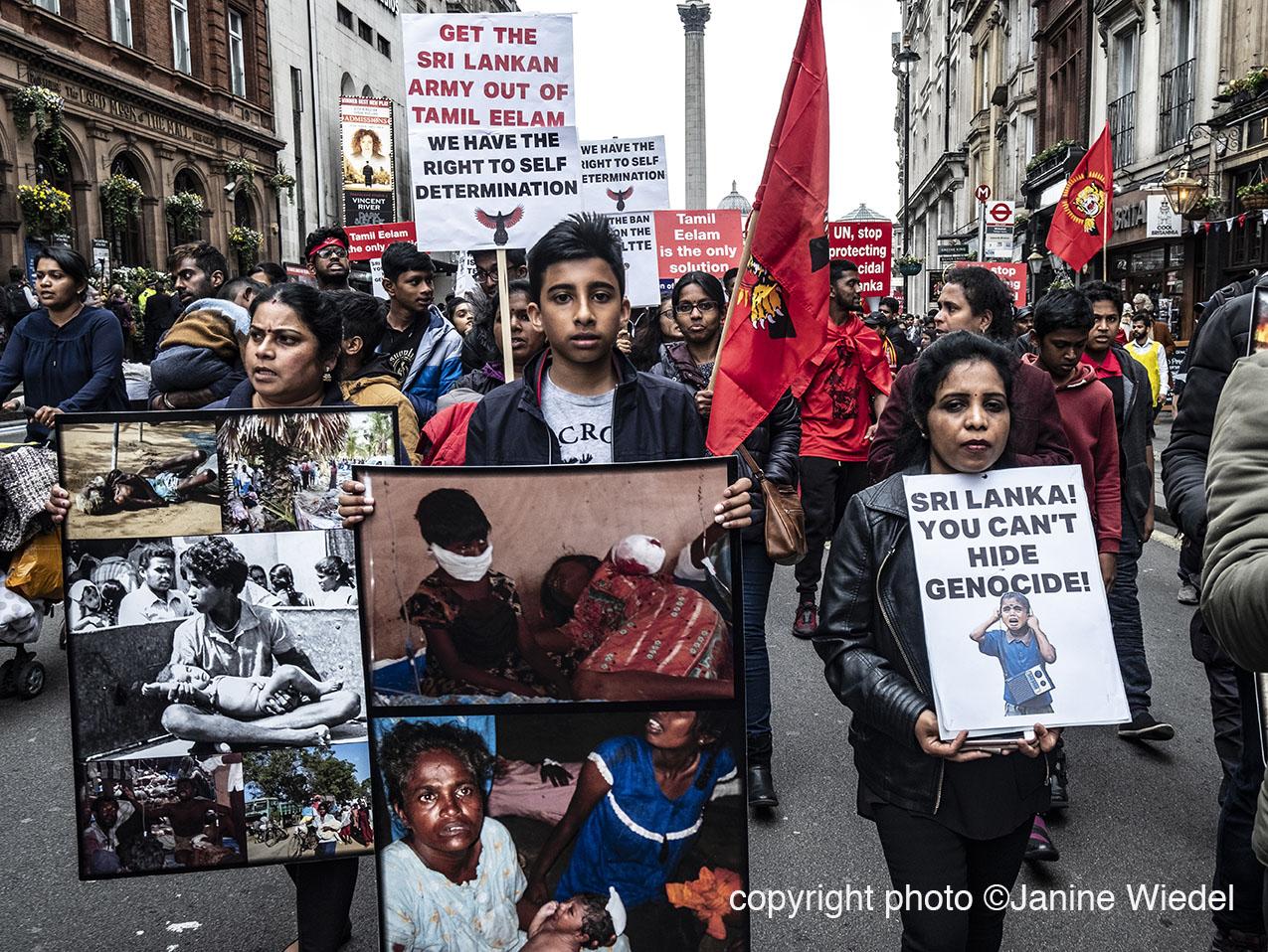 1587493Tamil_protest